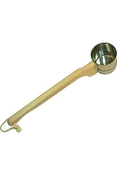 Ковш метал. с длинной деревянной ручкой №7